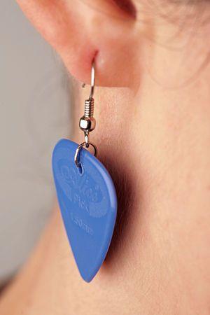 guitar pic earring tutorial