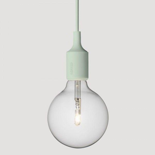 Muuto e27 hang lamp in 1 kleuren bij Emma b winkel Utrecht  Muuto designverlichting vind je bij emma b. winkel Utrecht o.a.:  E 27, Mhy,  Unfold, Pull lamp ,fluid, woodlamp, Up light, Studio lamp, Cosy lamp en Control lamp -