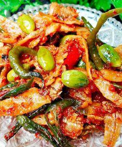 [Resep] Sambal Teri Pete Ekstra Pedas http://www.perutgendut.com/read/sambal-teri-pete-ekstra-pedas/2605 #Resep #Food #Kuliner