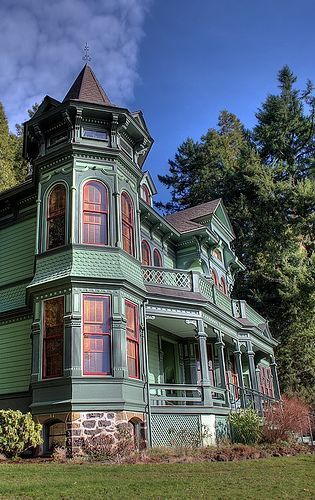 Victorian - Eugene, Oregon / Victorian Painted Ladies