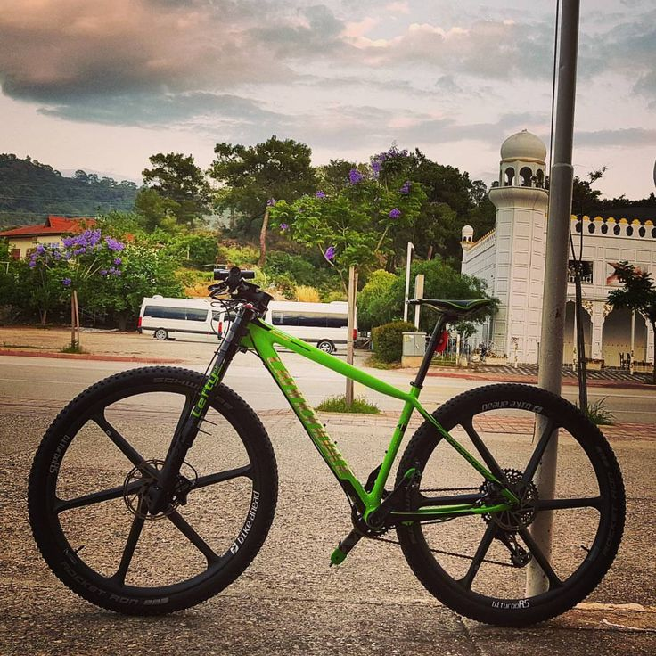 "devletbayhan:  ""Cannondale Scalpel-Si Hi-Mod Team and FSI Hi-Mod Team from http://wheelsports.de Bike Prophet Frank Dressler Lehinhof bro🇩🇪 Cannondale Team Kemer Everyday Bike Ride in Kemer, Antalya, Turkey 🇹🇷 #cannondale #lefty #cannondalebike..."