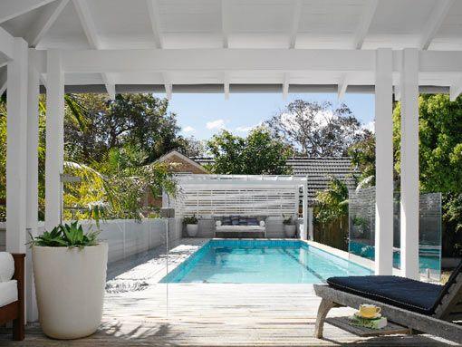 glass pool fence along back bedroom verandah?