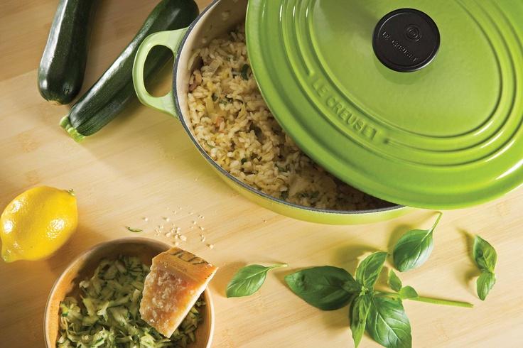 Preparar cualquier platillo con arroz es más fácil y rápido en cacerolas de hierro fundido.