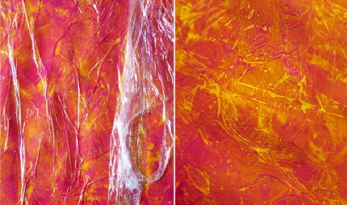 необычное использование пищевой пленки Нанеси краску, затем покрой ее слоем пленки и сомни ее. Этот трюк создаст неповторимый рисунок и украсит стену оригинальными разводами!