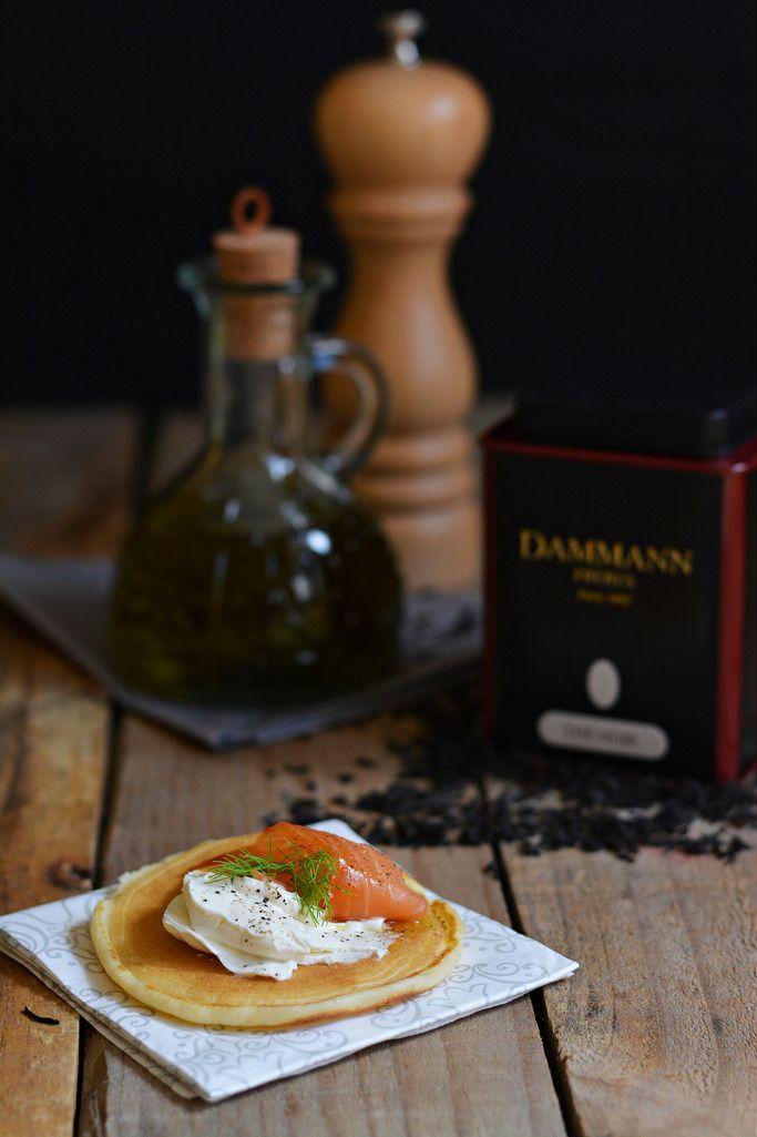 Mini Pan Cake con robiola, salmone e aneto da preparare per i vostri aperitivi