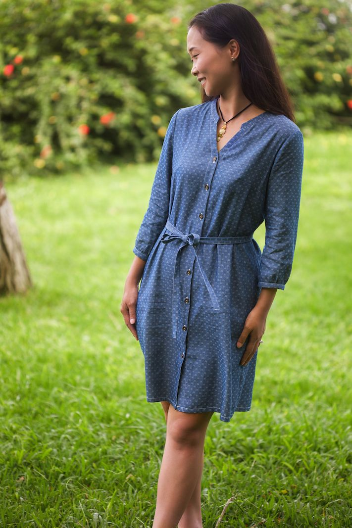 The Bonn Shirt and Dress pattern. With two different lengths, as well as four types of sleeves, Bonn moves effortlessly between seasons. Like many Itch to Stitch patterns, Bonn comes in A, B, C, D and DD cups for a great fit!