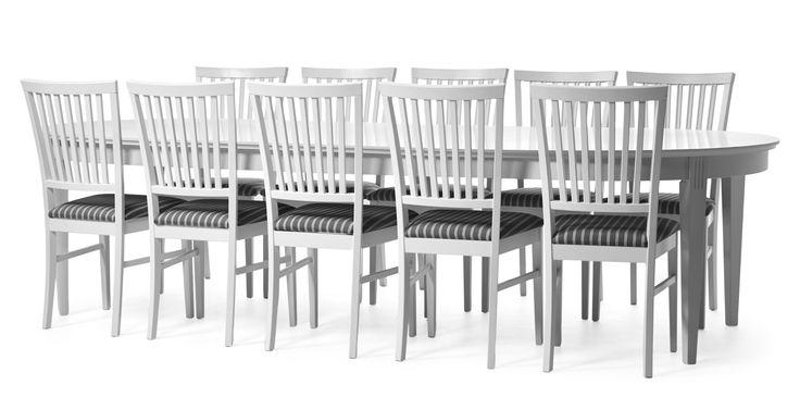 Sundborn i romantisk stil har fint arbetade detaljer och är den perfekta matgruppen när du vill ha plats för många. Den passar lika bra i storstadsköket som i det lantliga matrummet. Bordet har hela 4 iläggsskivor som gör att många får plats att samlas tillsammans. Stolen har en skön komfort och finns med vitlackerad sits eller med klädd sits i ett vackert tyg. Kombinera gärna med fler delar ur serien Sundborn. Du kan som max använda 4 stycken iläggsskivor till Sundborns runda matbord.