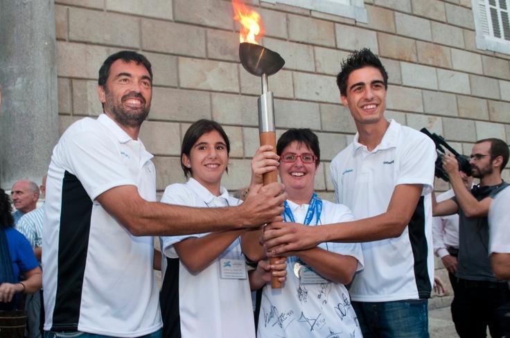 Cristina & Laura with tennis player Sergi Bruguera and Joel González, gold medallist in taekwondo (London 2012)