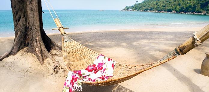 Norr om Phuket ligger Khao Lak, med milslånga gyllene sandstränder som är svåra att motstå. Här finns Vings Family Garden hotell med både barnpool och strandläge.