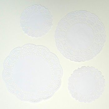 White Vintage Assorted Paper Doilies | The Party Cupboard