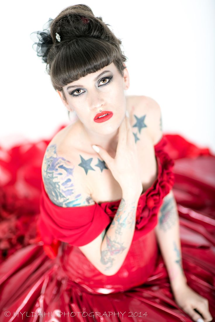 Sarah leann lady in red 2014