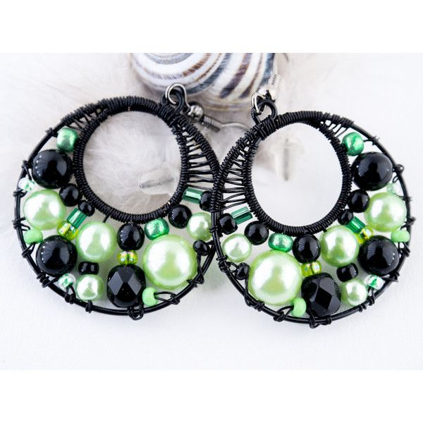 groene en zwarte kralen oorbellen Cirkel oorbellen, hoop Earrings hoop... (21 CHF) ❤ liked on Polyvore featuring jewelry, earrings, beaded jewelry, earring jewelry, beading hoop earrings, dangle hoop earrings and hoop earrings
