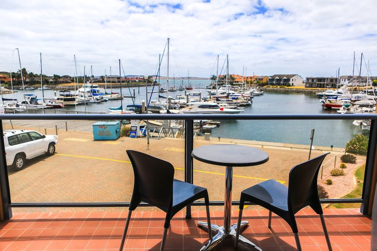 Marina Hotel & Apartments- Port Lincoln, Eyre Peninsula South Australia - Hotels