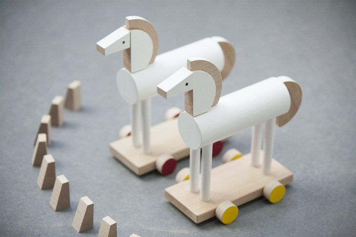 G-O-R-G-E-O-U-S Handmade Wooden Toys from the Czech Republic http://petitandsmall.com/handmade-wooden-toys-czech-republic/