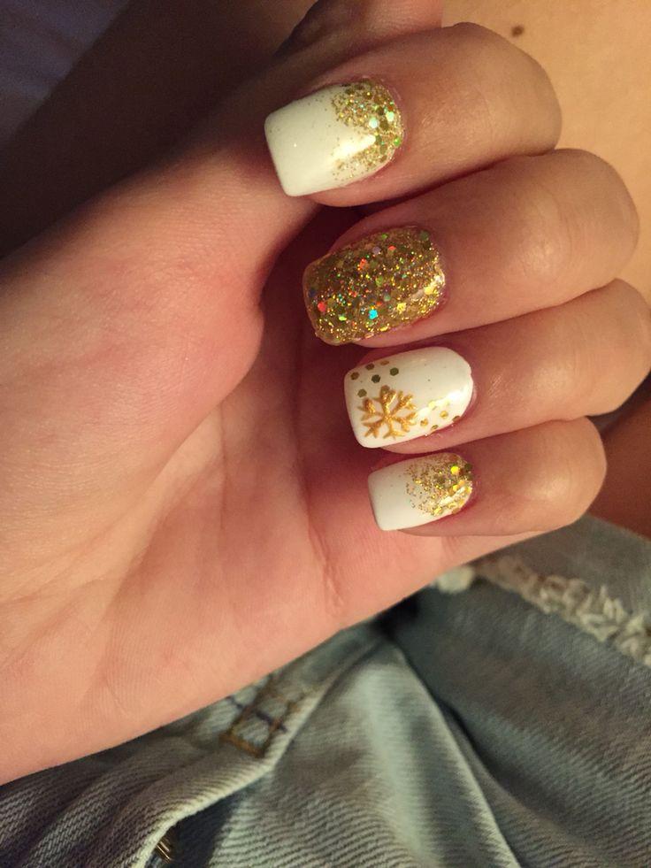 Дизайн ногтей с золотым лаком