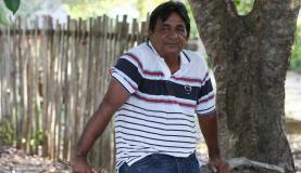 """  Resex Tapajós-Arapiuns: Modelo de vida sustentável na floresta   """"Os principais motivos da criação da Resex foram a conservação da natureza e que todos os moradores pudesse viver com mais dignidade. Mas falta tudo. Falta professor qualificado, falta estrutura nas escolas"""", diz o presidente da Associação Comunitária de Vila Franca e representante da Tapajoara, Raimundo Guimarães Gamboa, 58 anos, destacando que só há atendimento de saúde em seis comunidades."""