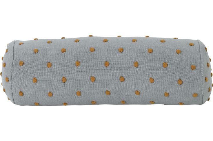 Die Popcorn Kissen Nackenrolle von Ferm Living verzaubert uns durch ihr einzigartiges Design und verleiht dem Kinderzimmer einen besonders coolen Look. Mehr Infos findet Ihr unter www.kleinefabriek.com