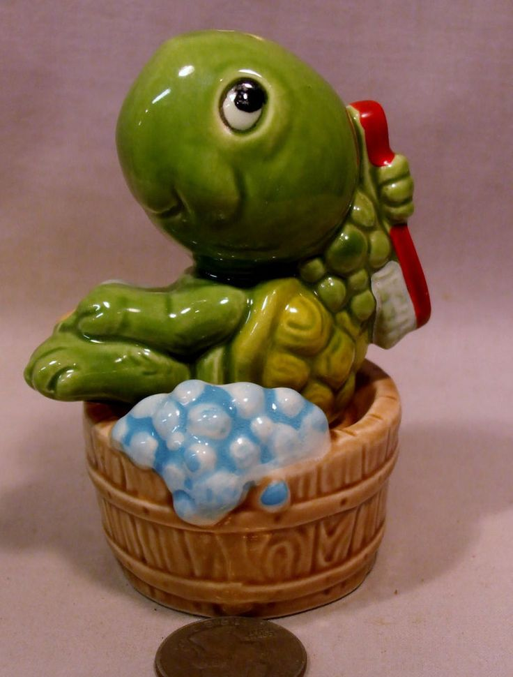 Vintage Turtle Bathing in a Tub S&P Shakers