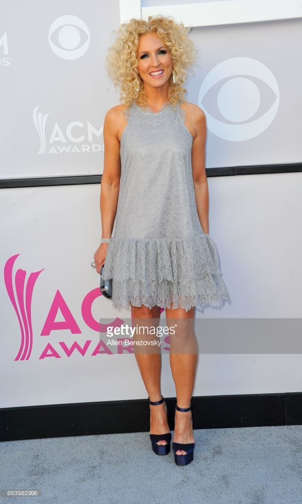 Singer Kimberly Schlapman of music groups Little Big Town arrives at the 52nd Academy Of Country Music Awards on April 2, 2017 in Las Vegas, Nevada.