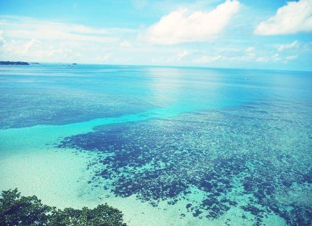 Blue Belitung Beach, #indonesiaindah  (Source: wrathwithinme)