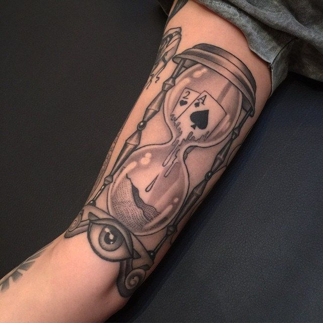 Hourglass Tattoo Hourglass And Tattoos And: 587 Best Hourglass Tattoos Images On Pinterest