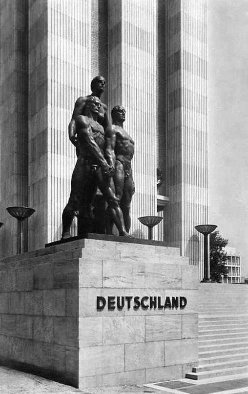 Josef Thorak, Comradeship, German Pavilion, Paris Exposition Internationale, 1937.