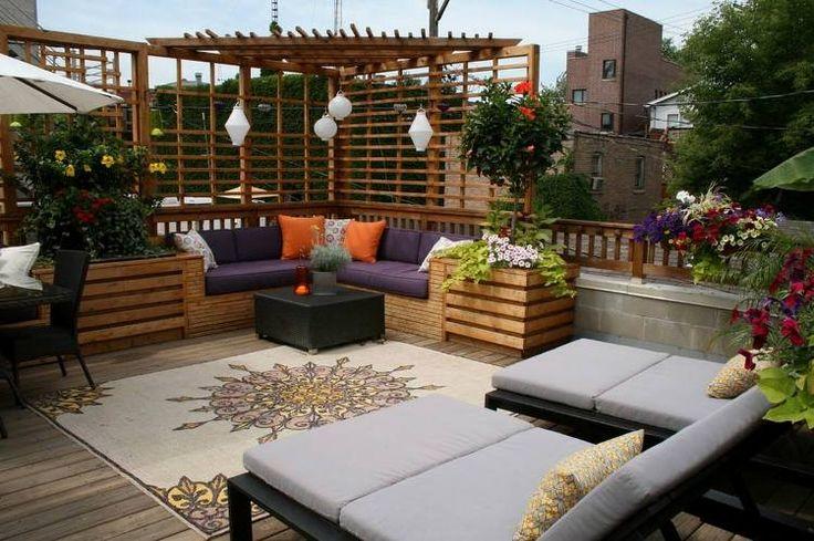 brise-vue-terrasse-bois-massif-canapé-droit-table-carrelage