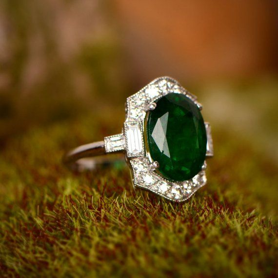 1 10 Carat Diamond Engagement Ring With Antique Circa 1930 Etsy Vintage Oval Engagement Rings Emerald Engagement Ring Wedding Rings Vintage