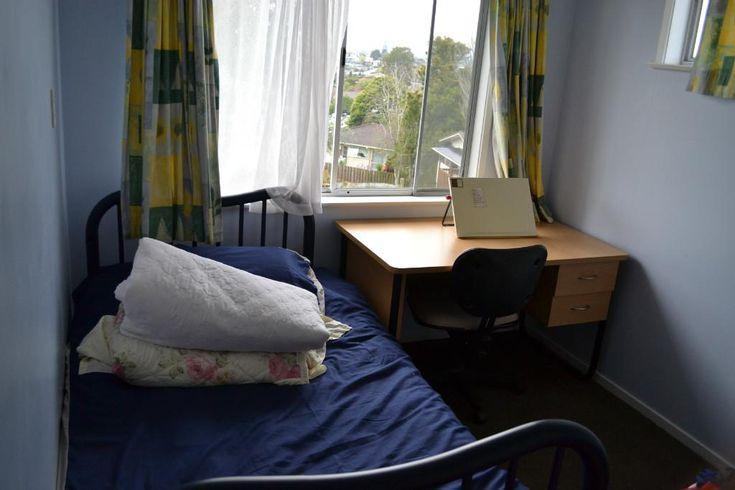 Homestay Waitakere, Auckland, New Zealand. Mitchell and Marlou Jen - HomestayIn.com