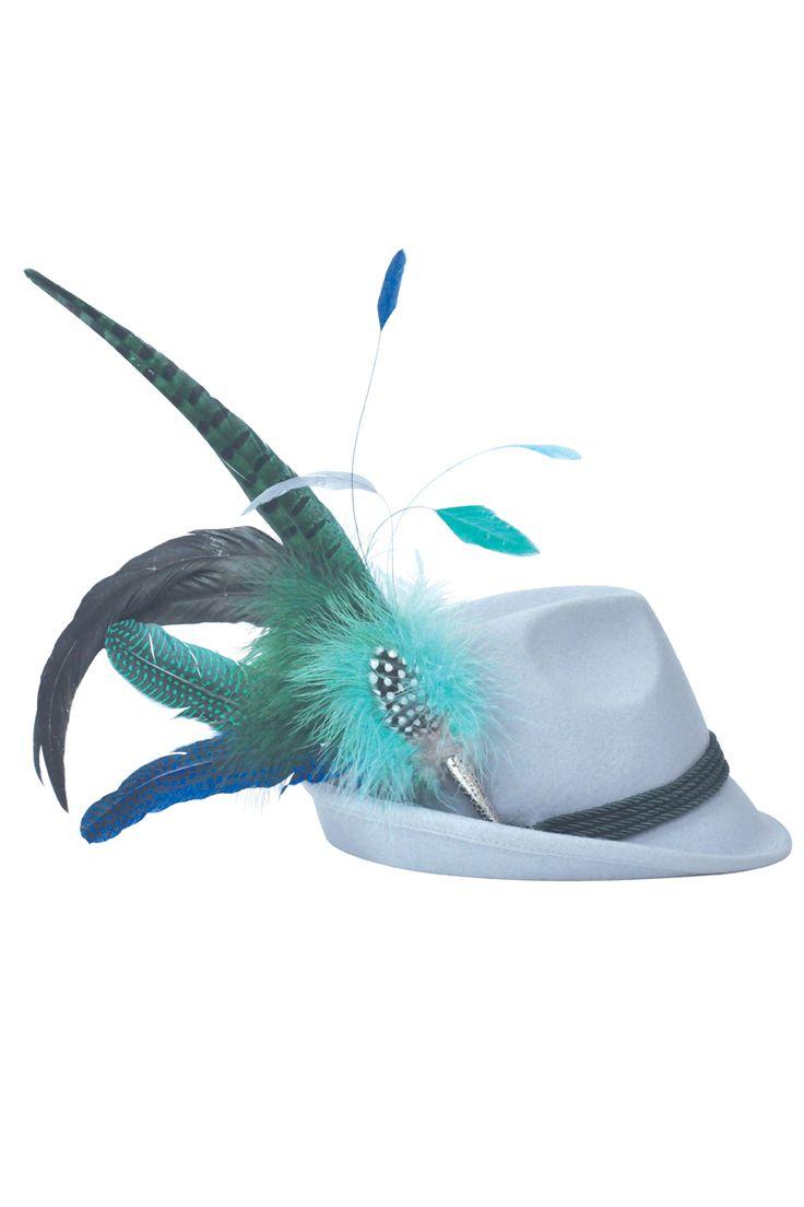 Eine extravagante grün-blaue Kombination aus gefärbten Fasanenfedern und Hahnenschlappenfedern. Das Federgesteck wird an den Hut angesteckt und ist ein schönes Trachtenaccessoire für das Münchner Oktoberfest Lieferung ohne Hut, dieser...