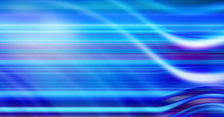 Frecuencia de las ondas. La definición de frecuencia es el número de veces en las que un evento se repite dentro de un período de tiempo dado. La frecuencia es un concepto importante en la ciencia, en particular en el estudio de las olas, de las ondas de luz a las ondas sonoras. La frecuencia de una onda determina muchas de sus otras características.