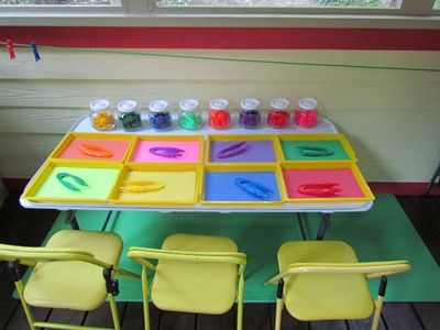 another idea for Pom-Pom Color Sorting