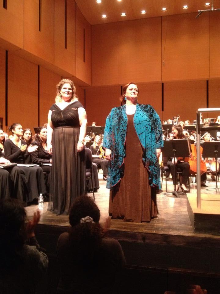 The Dazzling Sara Murphy in concert wearing Peggy Lutz's Drape Lapel Coat.  Divas Love Peggy Lutz!  xoX
