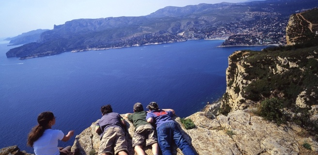 A genuine alternative itinerary for lovers of sweeping panoramas, of freedom and vertigo, the Route of the Ridges (La Route des Crêtes) is well known to the inhabitants of Cassis to La Ciotat.  A high altitude getaway!