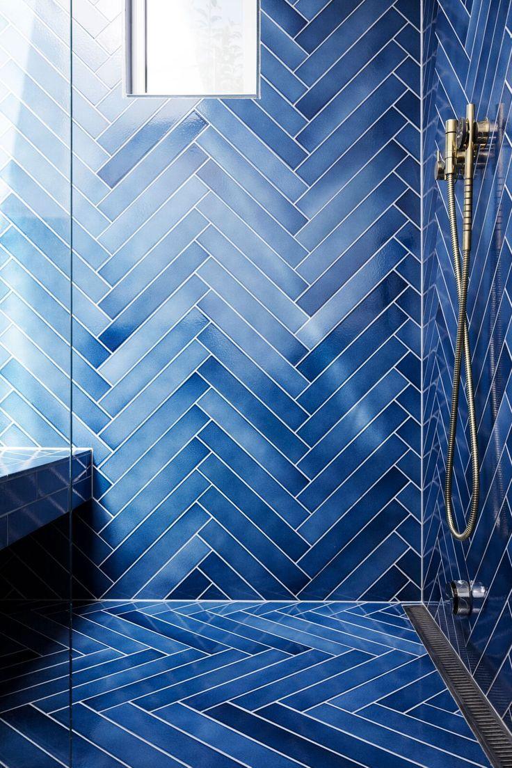 Blue And White Powder Bath In 2020 Amazing Bathrooms Bathroom Wallpaper Bathroom Interi In 2020 Bathroom Tile Designs Small Bathroom Decor Bathroom Interior Design