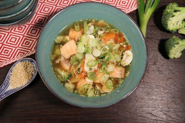 Japansk laxsoppa. Recept från MittKök
