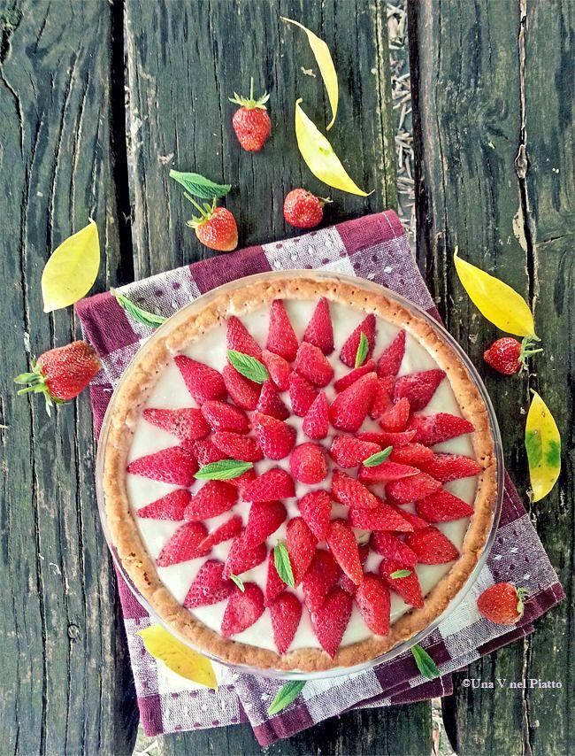Crostata senza zucchero con crema di riso e fragole on http://www.unavnelpiatto.it