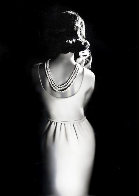 Sexy back. ~ETS #sexyback #blackandwhitephotography #vintage