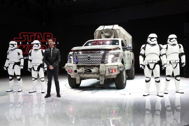 Nissan TITAN AT-M6 Star Wars sorprende en Los Angeles.