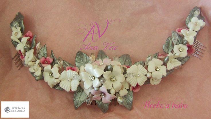 Ana Vez Semicorona de Novia, realizada artesanalmente en Porcelana Fría.