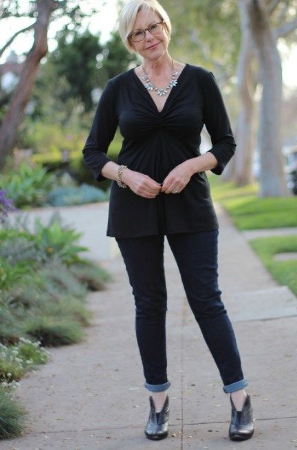 78691e9cc2f50 Flattering Clothes for Big Stomach - Plus Size Women Fashion. Best Jeans To  Hide Love Handles
