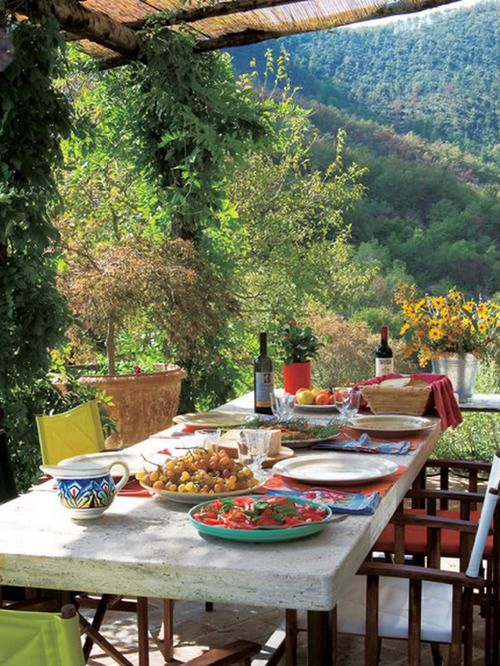 Enjoy the nature and the food  #outdoordining #outdoorspaces #tablesettings