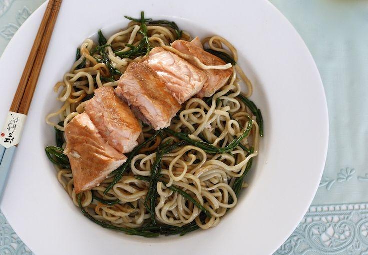 5 or less: Noedels met zalm en zeekraal, een heerlijk, simpel en gezond recept! En met maximaal 5 ingrediënten. YUM! #5orless #healthy #food #diner