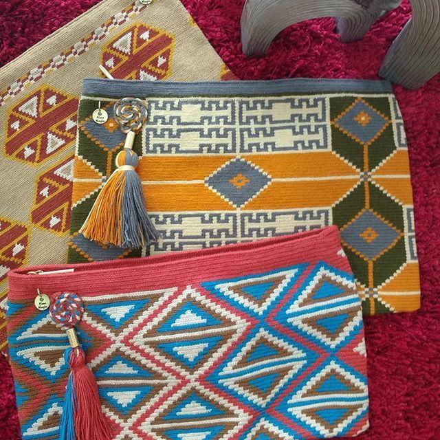 New collection clutches #wayuu #clutches #classic #bohochic #bohostyle #handmade #handwoven #obrasdearte #fashion #fashionweek #fashionstyle #glamourwayuu #intervenidos #amorporlonuestro #pais #pasionporlonuestro