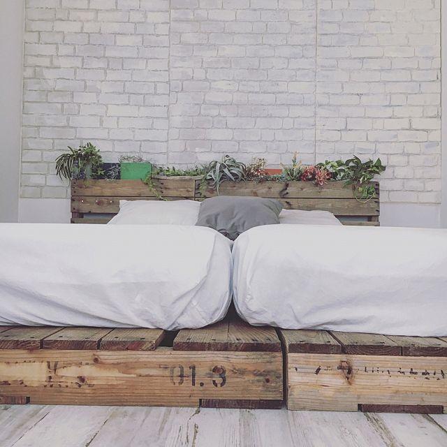 【100均DIY】発泡スチロールレンガ壁の作り方と部屋実例   RoomClip mag   暮らしとインテリアのwebマガジン