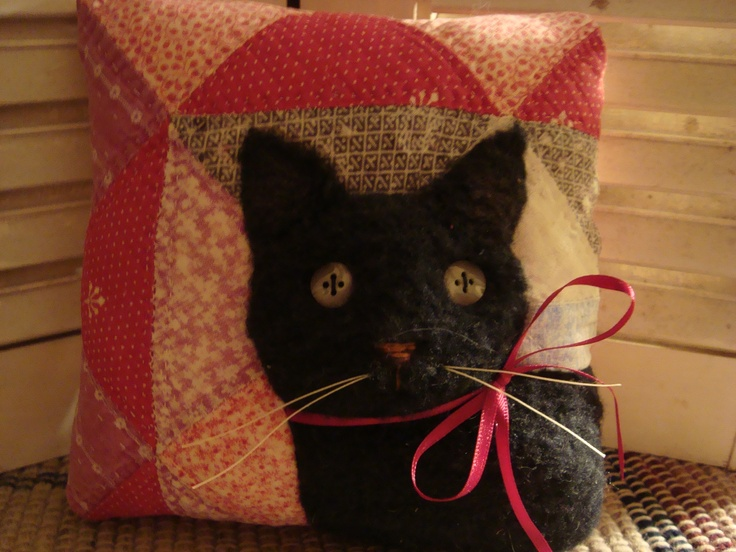 Old Quilt Black Cat Pillow