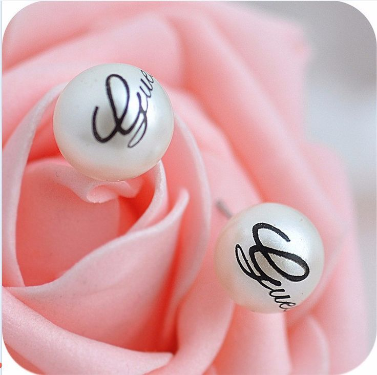 E048 White colors Hot Selling women Genuine Brand Alphabet  simulated pearl Stud Earrings Big wholesale christmas Free shipping