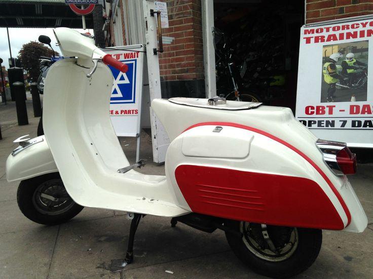 Classic Vespa Super 150 | eBay