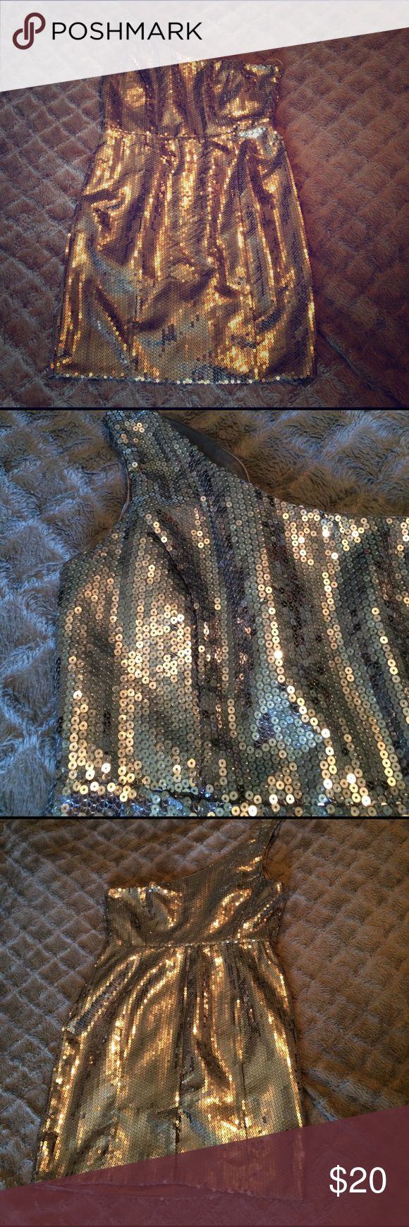 Selling this Forever21 silver sequined mid-thigh dress on Poshmark! My username is: decafeokay_gb. #shopmycloset #poshmark #fashion #shopping #style #forsale #Forever 21 #Dresses & Skirts