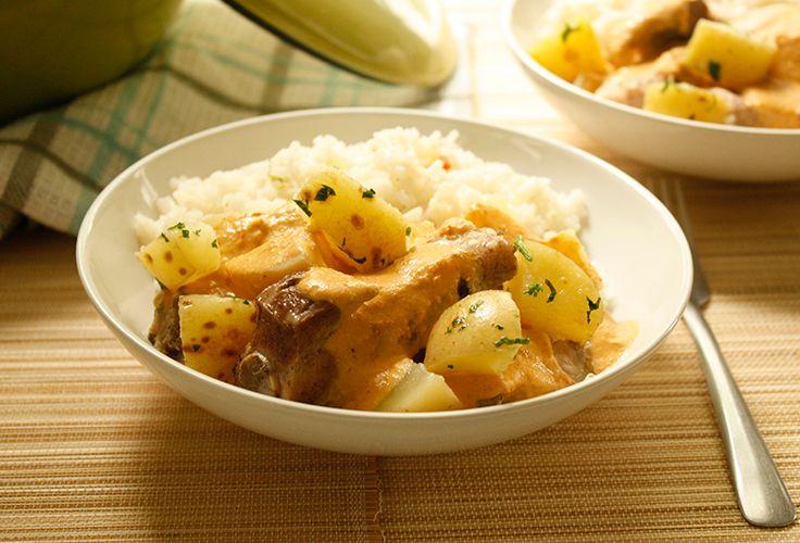 ¿Qué te parece si preparas unas deliciosas Costillas de cerdo en salsa cremosa de morita para la hora de comer